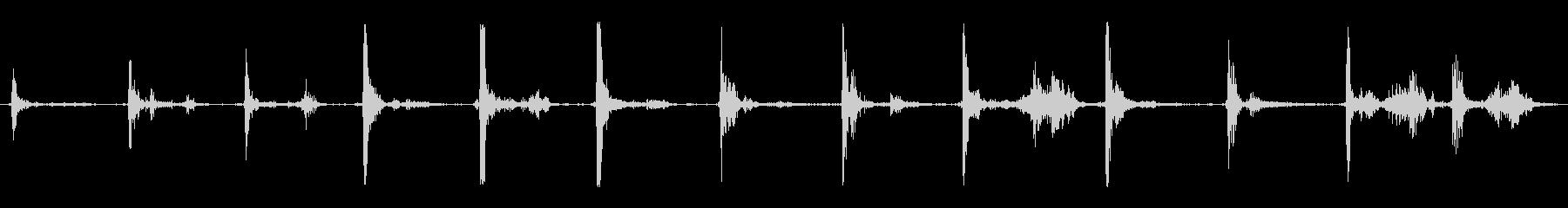 エイリアンウォーキング;大きな鈍い...の未再生の波形