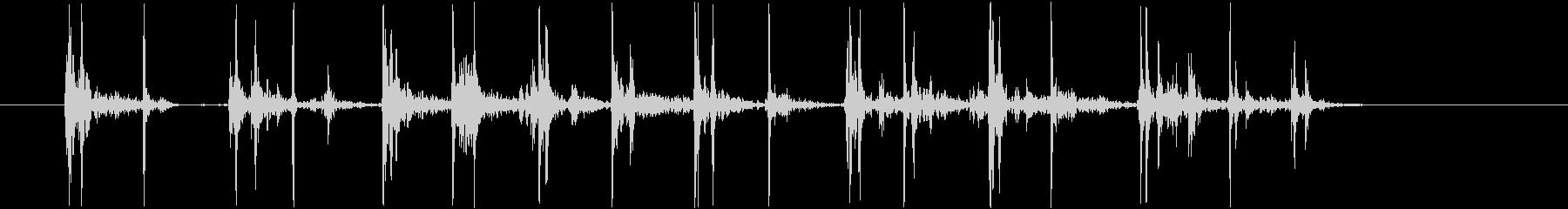 激しいタイピング音(カタカタ)の未再生の波形