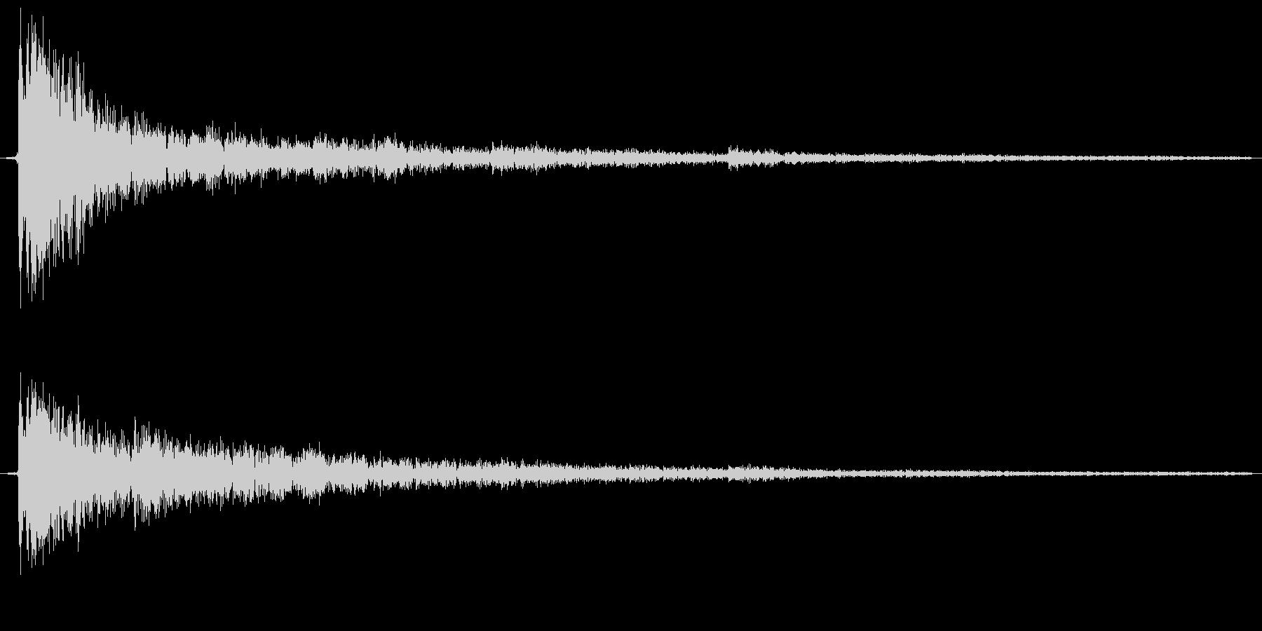 カーン、という金属の鳴る音ですの未再生の波形