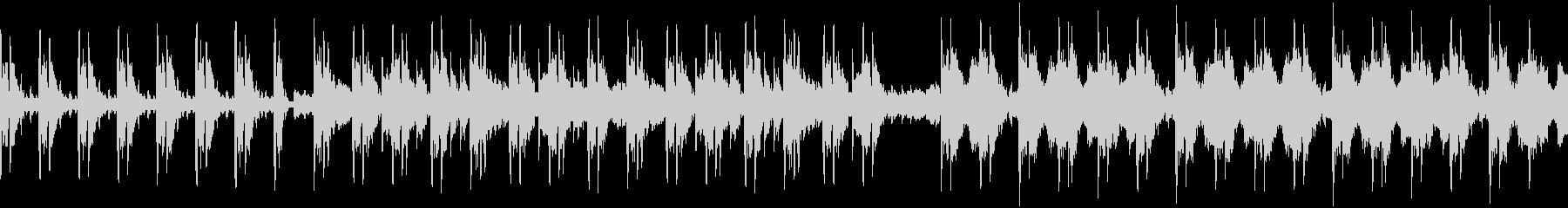 歪んだオルゴールで奏でるホラーBGMの未再生の波形