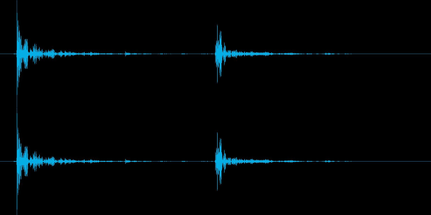 【マイク収録】グラスをテーブルに置く音の再生済みの波形