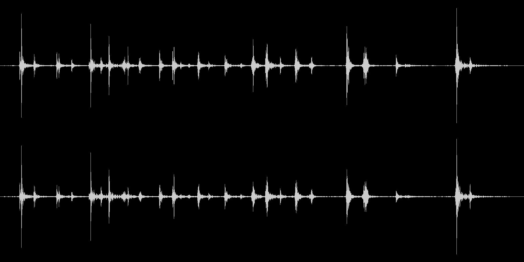 キーボードをタイピングするリアル効果音2の未再生の波形