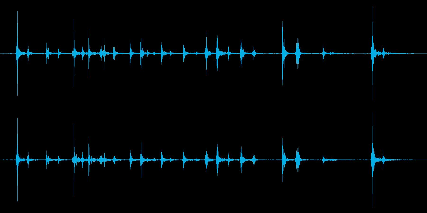 キーボードをタイピングするリアル効果音2の再生済みの波形