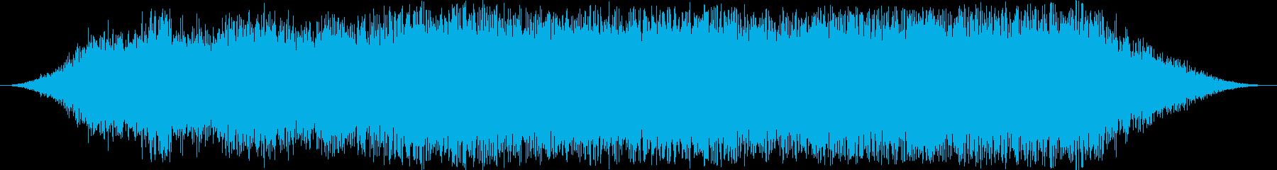 丘の中腹の雪崩:重い岩と土砂崩れの再生済みの波形