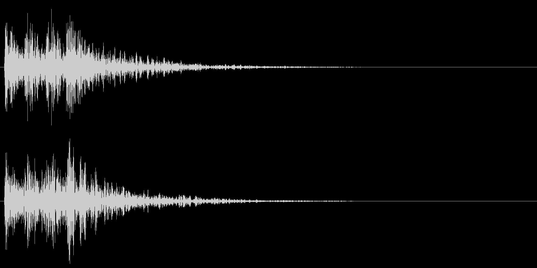 ティンパニとスネアの勇ましい転回音 戦争の未再生の波形