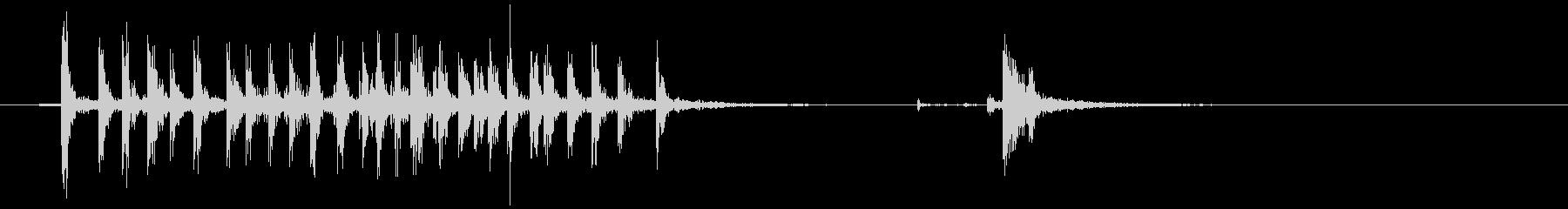 [生音]セロハンテープを使う音04の未再生の波形