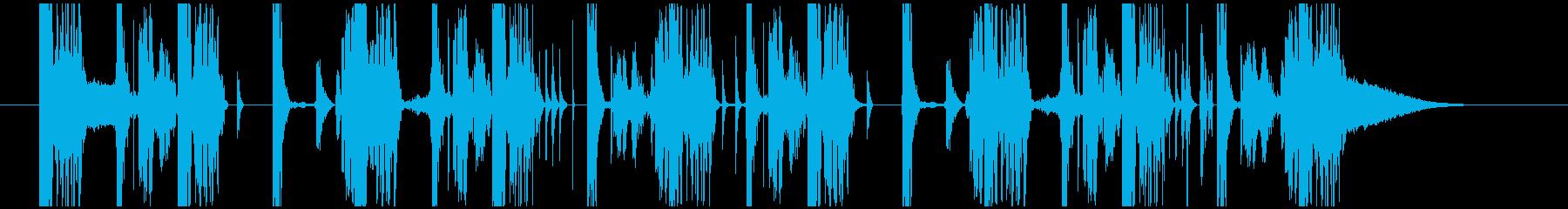迫力のあるテクノジングルの再生済みの波形