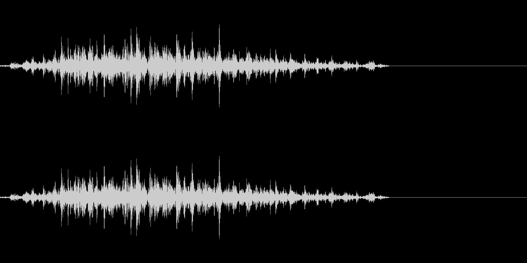 神楽鈴(小)を短くクレッシェンドさせた音の未再生の波形