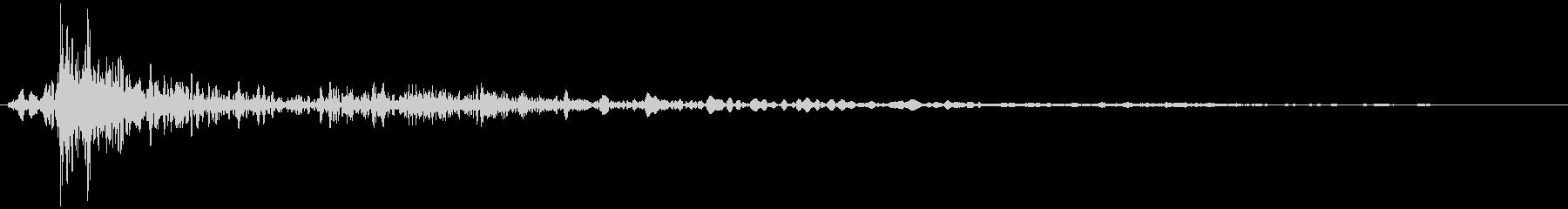 大型ツインドアロッカー:両方のドア...の未再生の波形