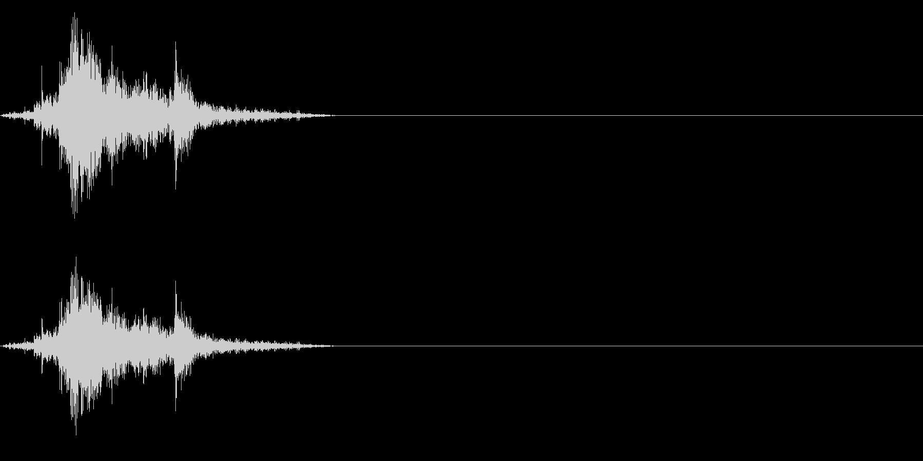 【生録音】古い木製のガラス戸を開ける音の未再生の波形