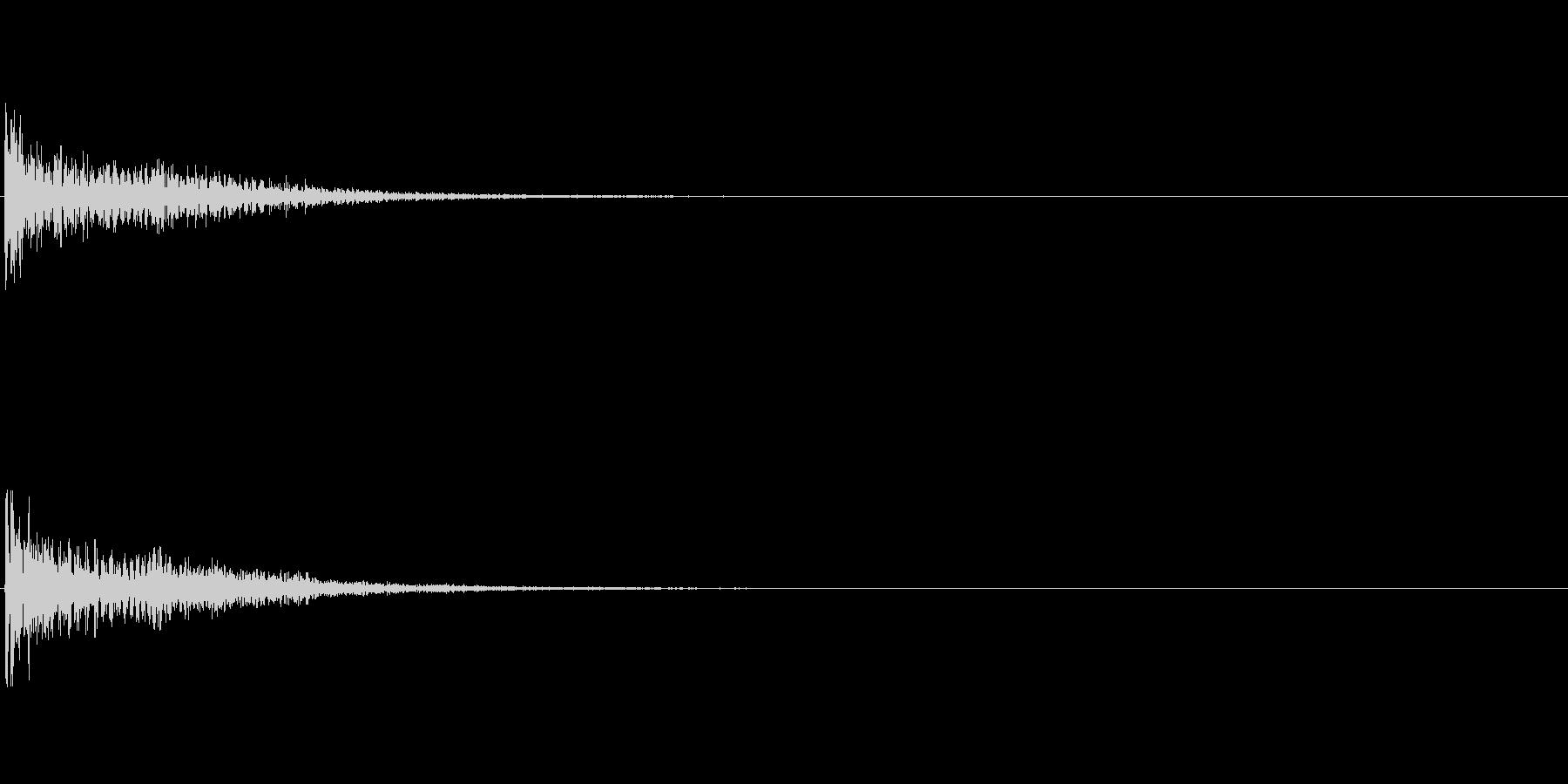 【衝撃02-4】の未再生の波形