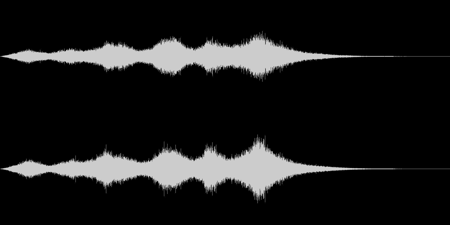 「ザザ〜ッサブ〜ン」大海原の大波のSEの未再生の波形