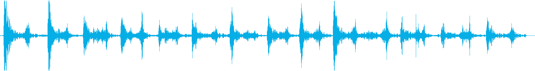 裸足で硬い地面を走る音の再生済みの波形
