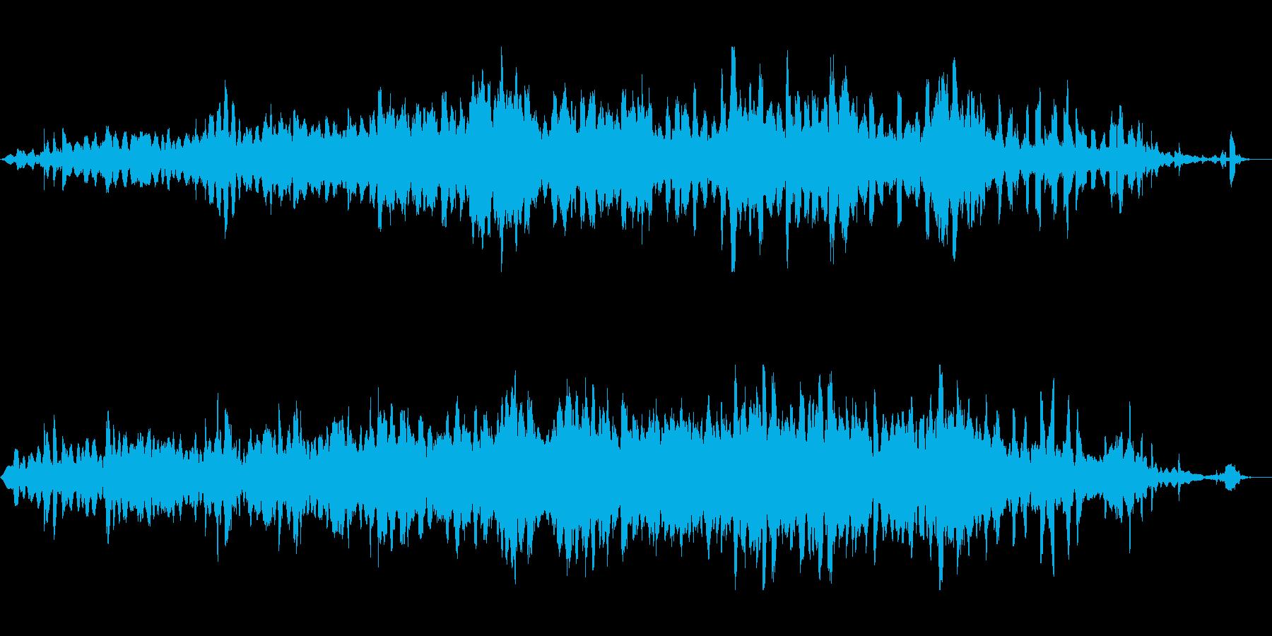 透明感のある静かなピアノとストリングの曲の再生済みの波形