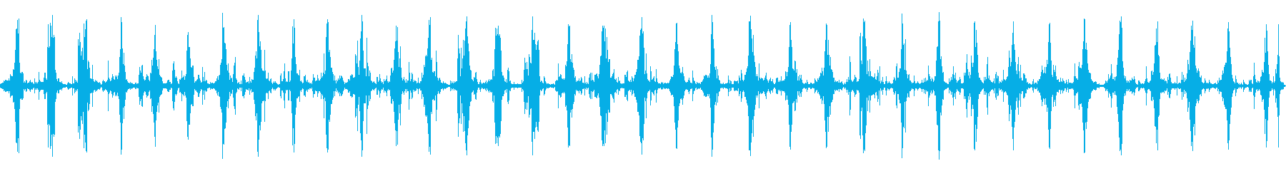 ダートロードで行進する中世の兵士の...の再生済みの波形