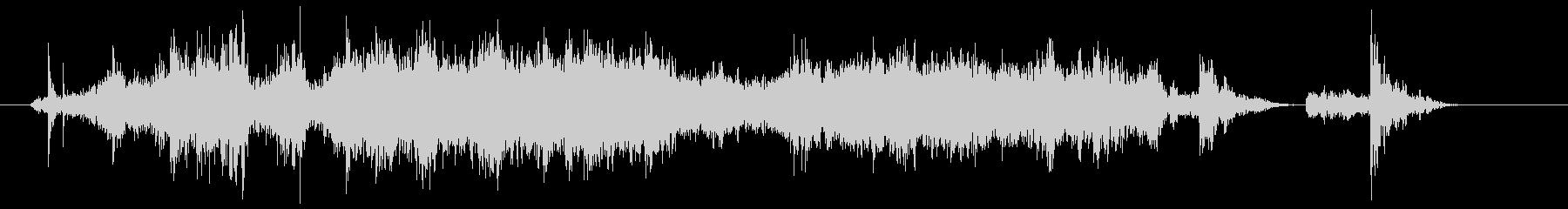 ザートン(金属製の軽い網戸を閉める音)の未再生の波形