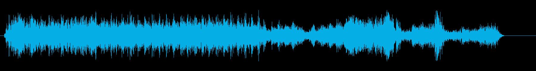 キィシィン、とロボットが動く音の再生済みの波形
