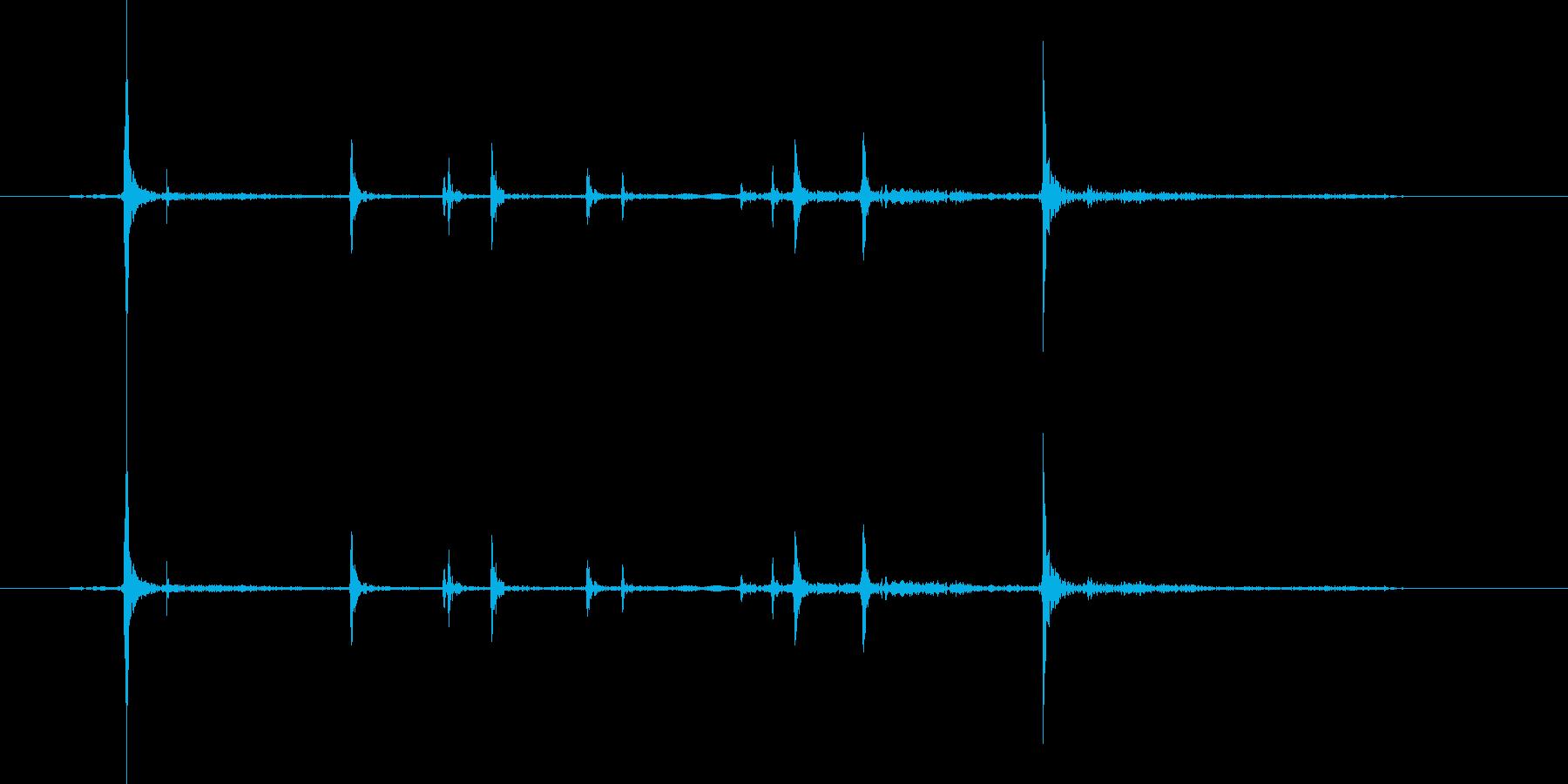 ゴキゴキ。骨をならす・折る音の再生済みの波形
