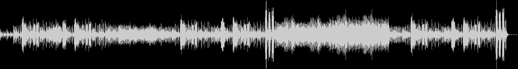 フルートがリズミカルなオーケストラ曲の未再生の波形