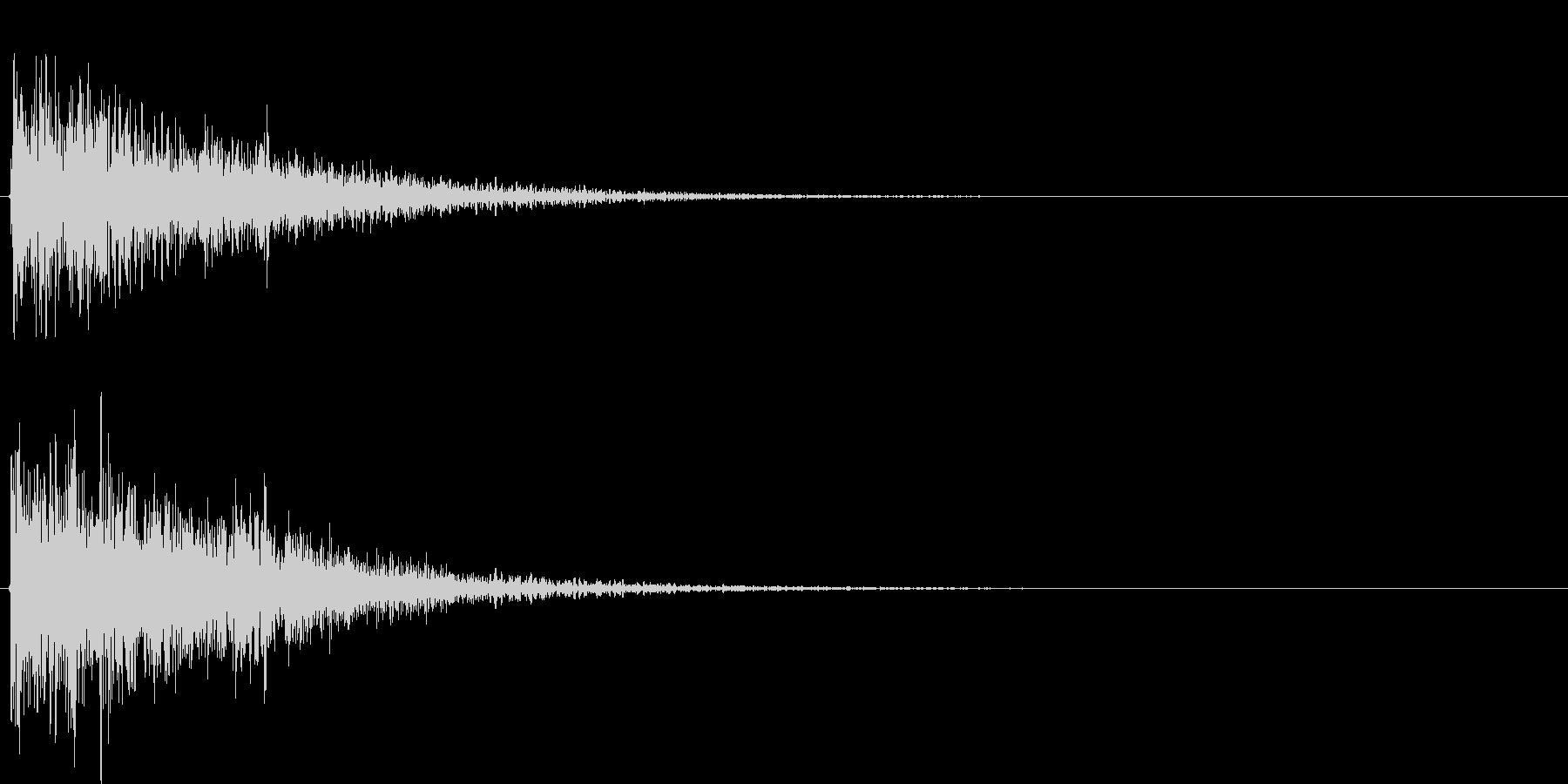爆発もしくは衝突した時の音です。様々な…の未再生の波形