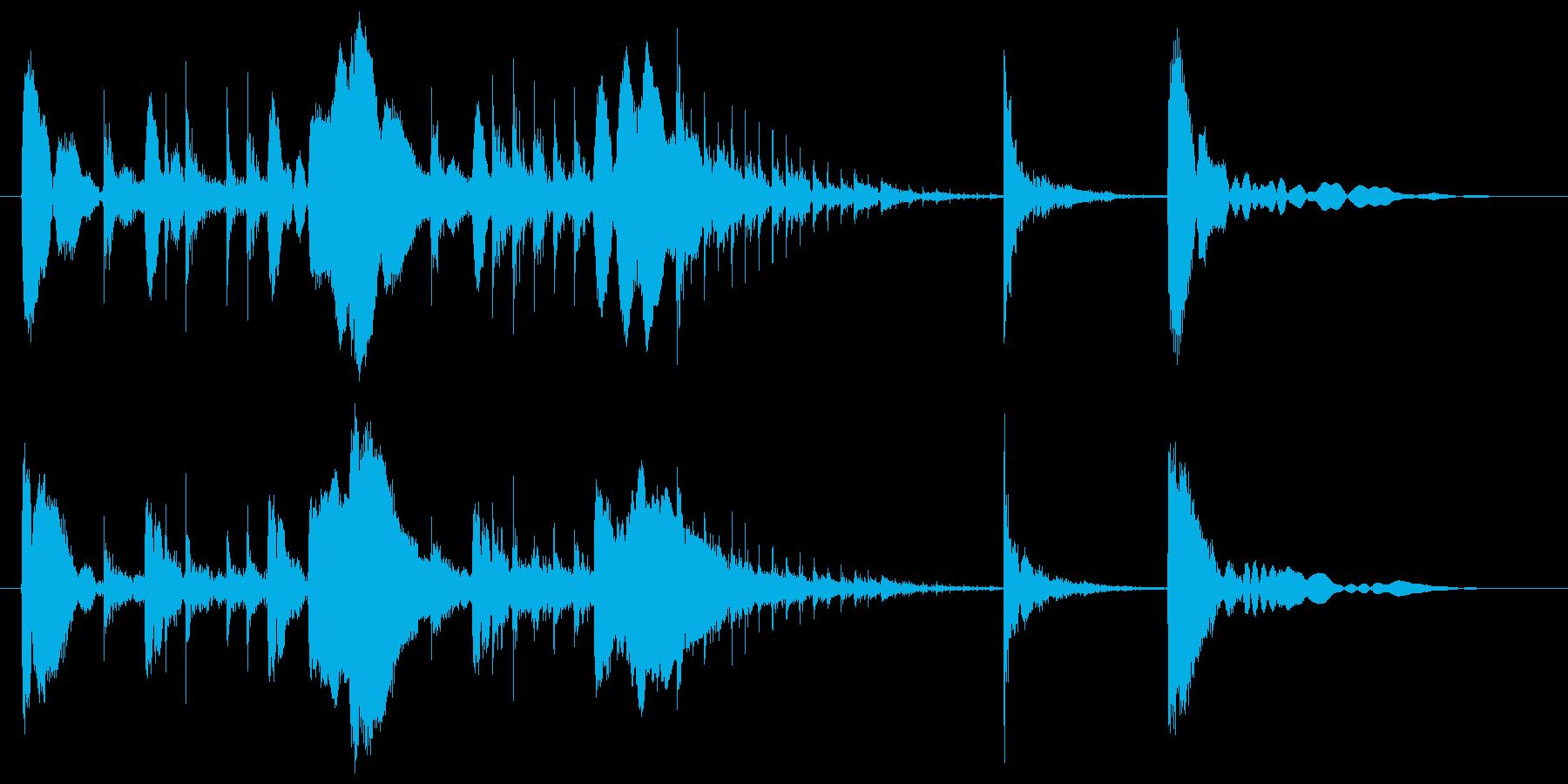 コンガによるコミカルなサウンドロゴの再生済みの波形