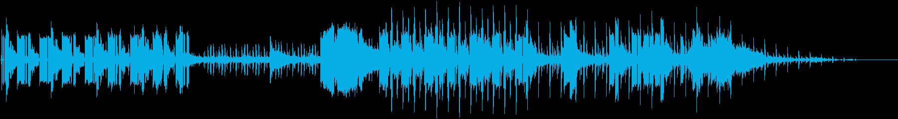 シーケンス化された低音とシンセの効...の再生済みの波形