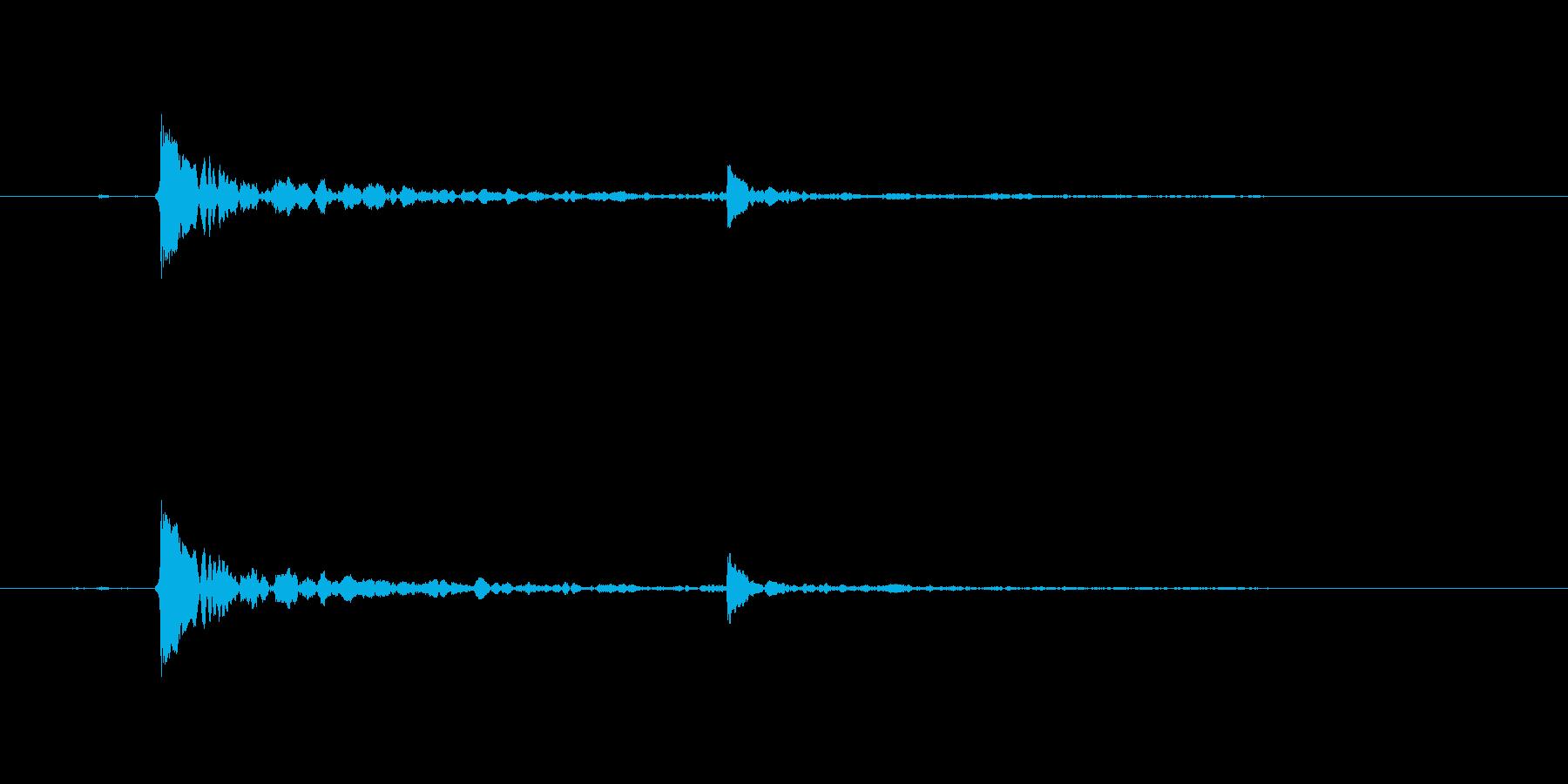 水滴-単一の水滴が水面に当たるの再生済みの波形