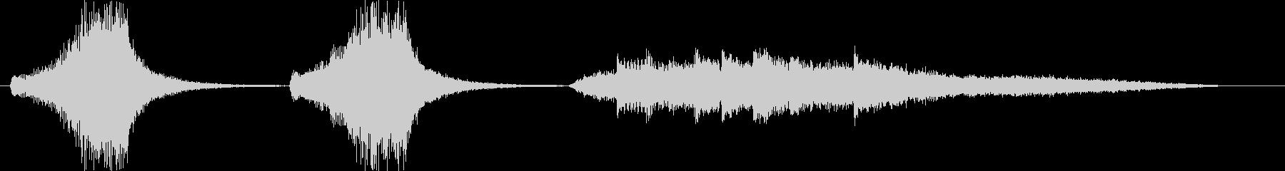 押し迫るようなピアノシンセの未再生の波形