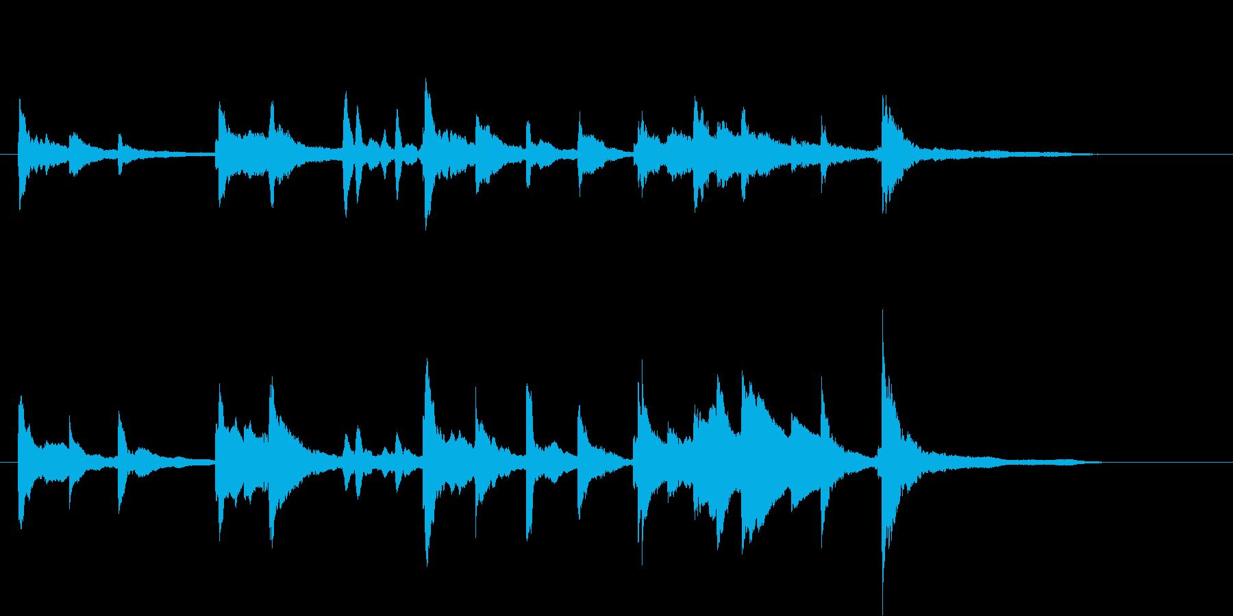 ピアノのオープニングタイトルジングルの再生済みの波形