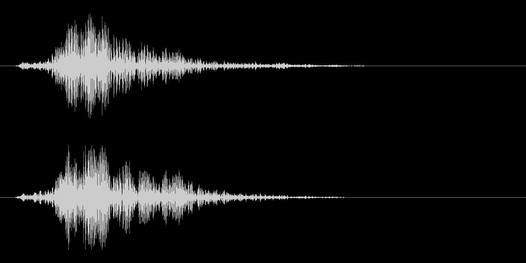 ヒュン(剣などを振るう風切り音)の未再生の波形