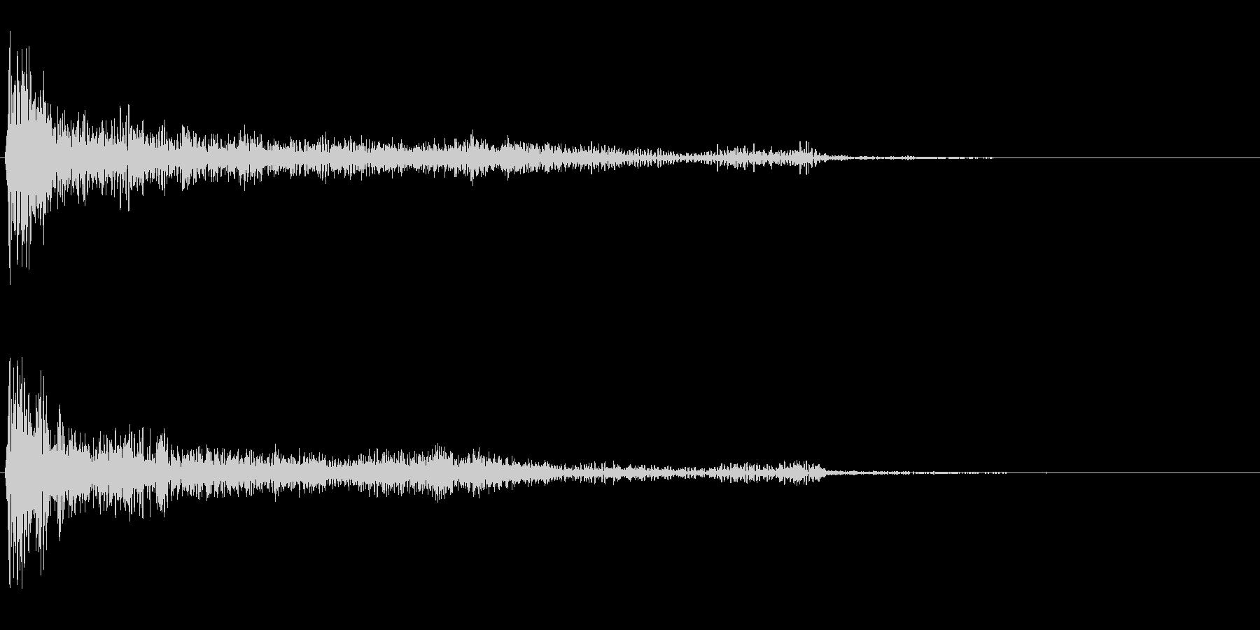 ダーク系決定音「ドーン」の未再生の波形