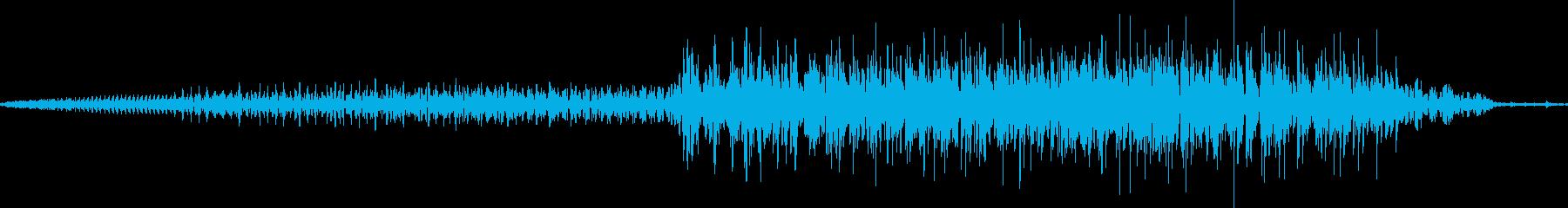 ラクダのうめき声。単一の短いうめき...の再生済みの波形