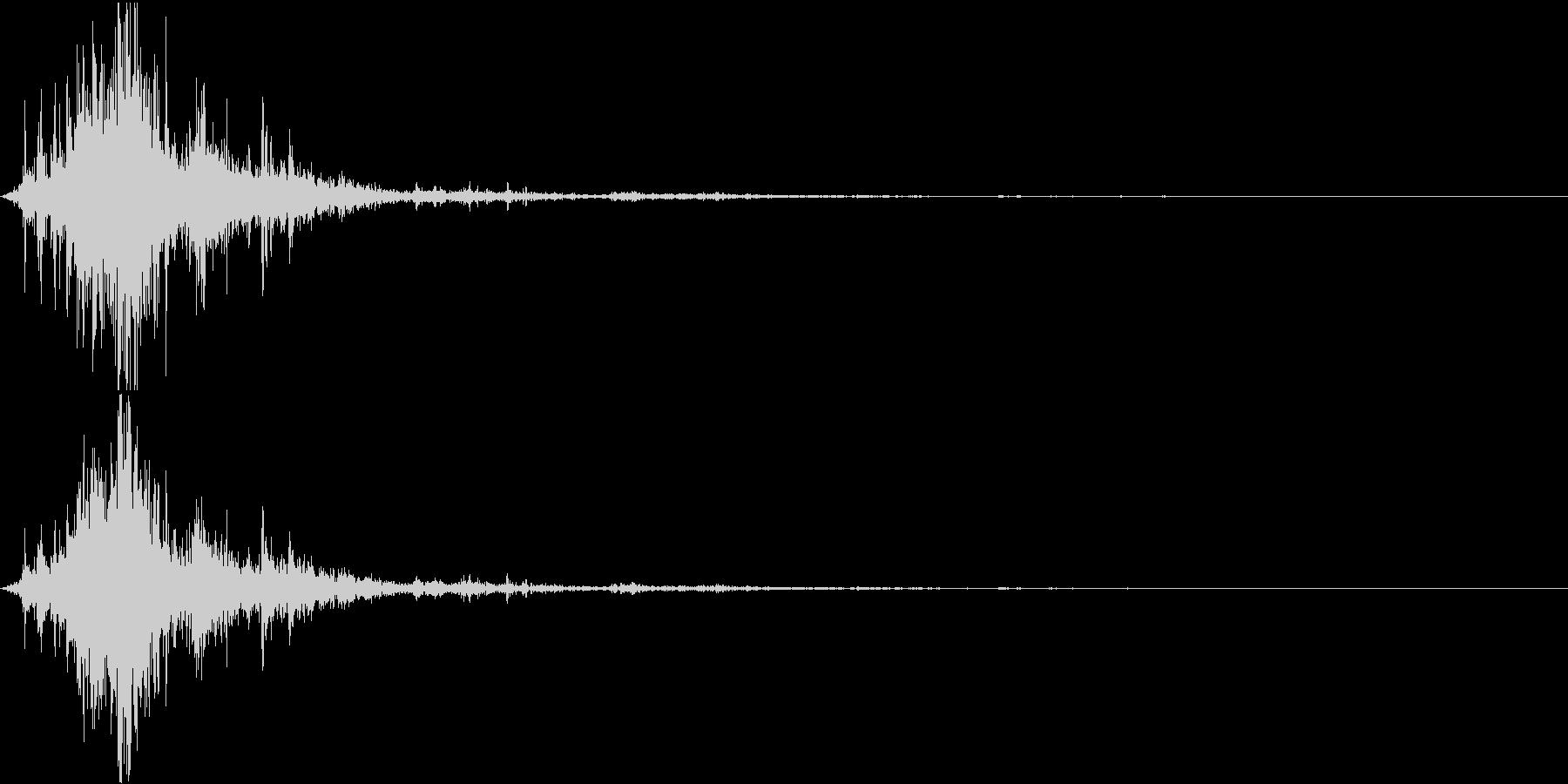 【自然音】カミナリ「ゴロゴロ、ピシャ」の未再生の波形