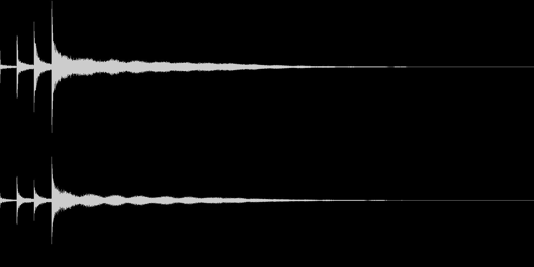 「チンカーンコーン」シンギングボウルの音の未再生の波形