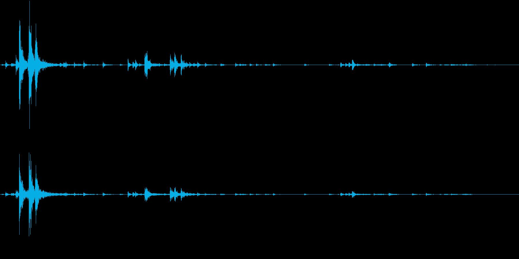【生録音】ハンガーの音 5 まとめるの再生済みの波形