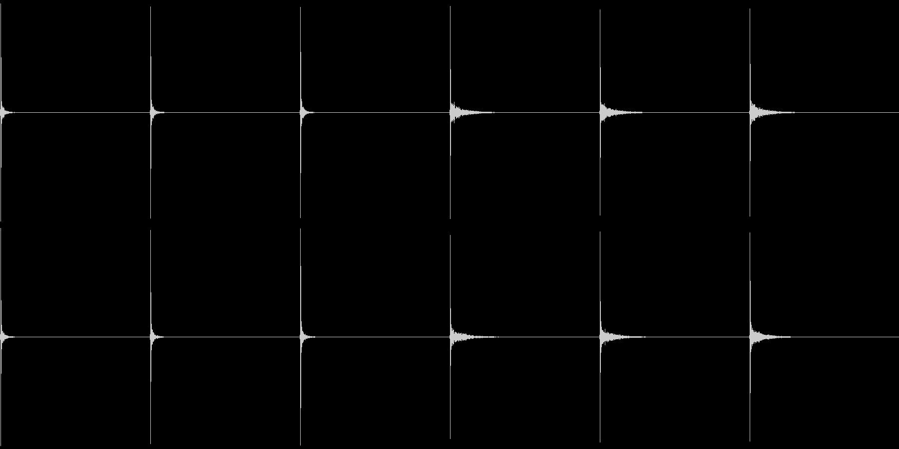フィンガースナップ(女性、残響有り無し)の未再生の波形