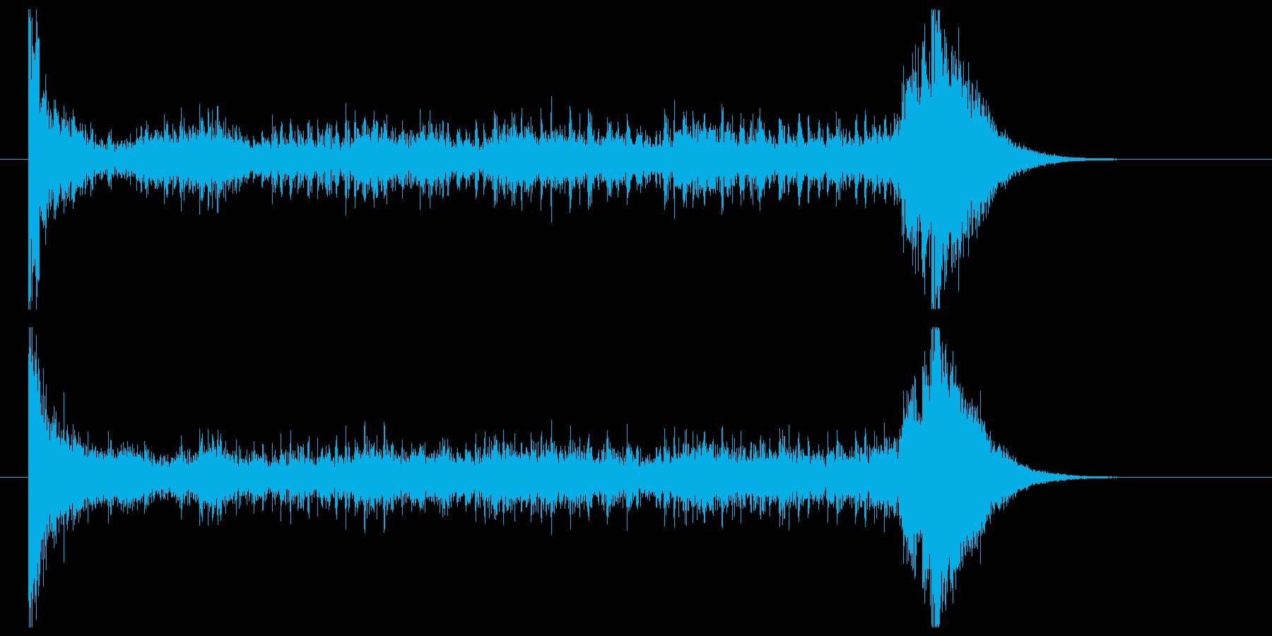ティンパニーロール_シンバルあり(8秒)の再生済みの波形