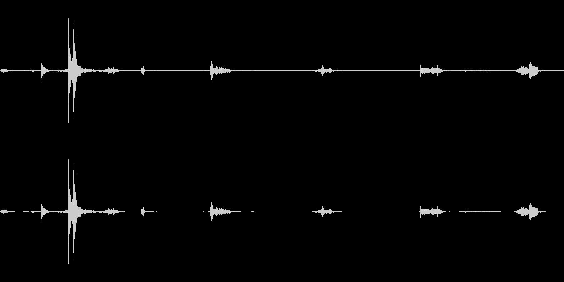 キュッキュッ(水筒の蓋を閉める音)1の未再生の波形