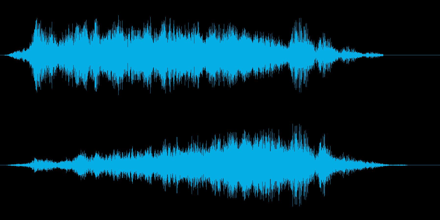 ヒュー、シュパーン(風を切り通過する音)の再生済みの波形