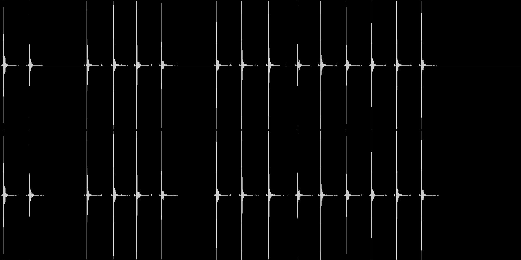 ペイントボールガン:半自動:複数の...の未再生の波形