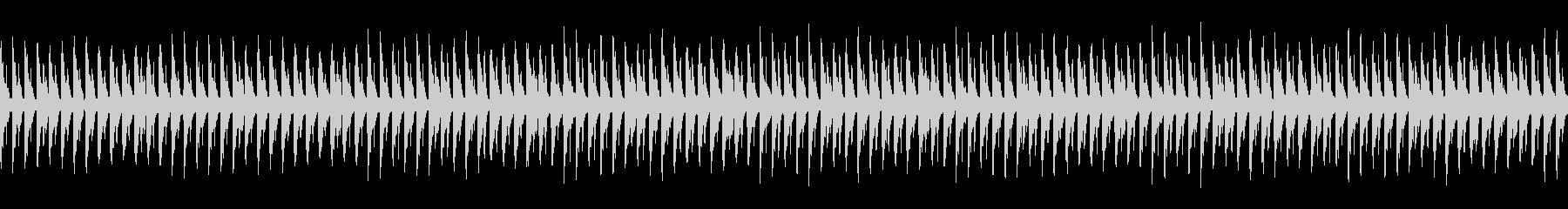 夜、軽快、疾走感:シンプルなハウスビートの未再生の波形