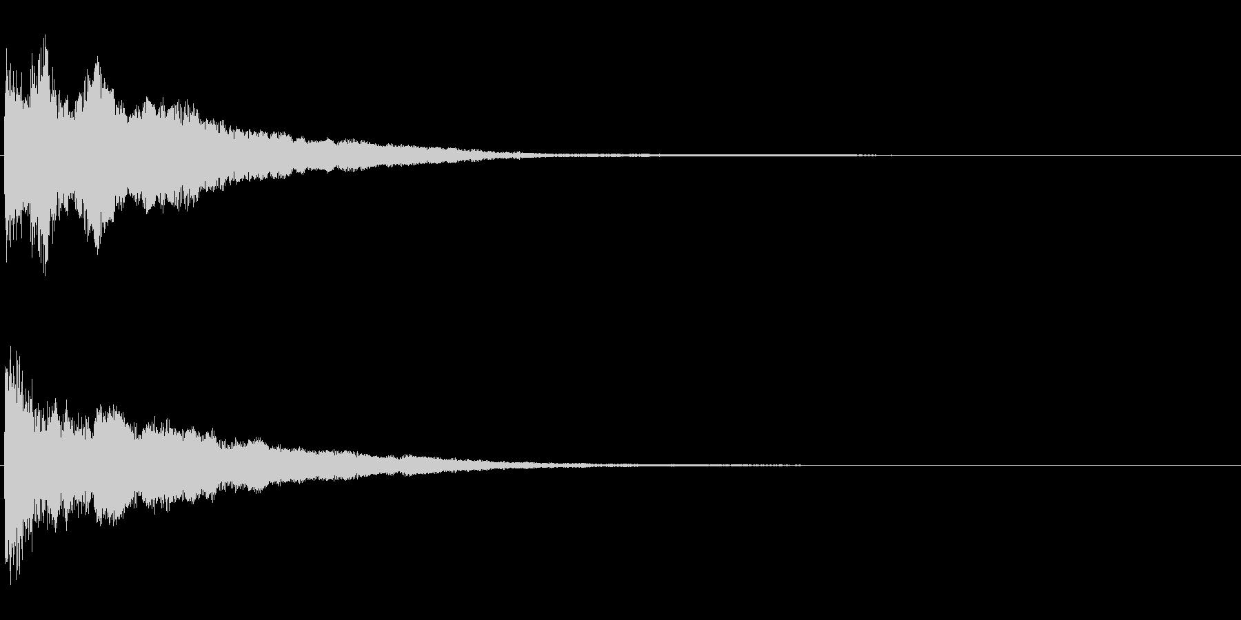 不気味な余韻の鐘の未再生の波形