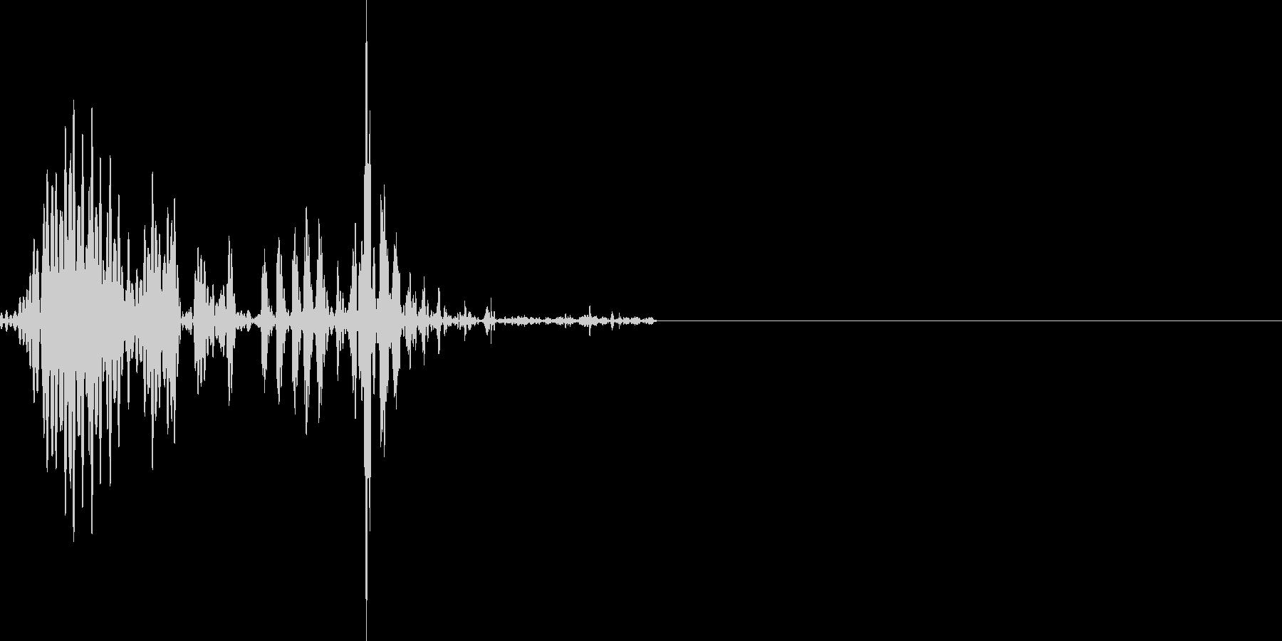 ゴクッと飲み込む音の未再生の波形