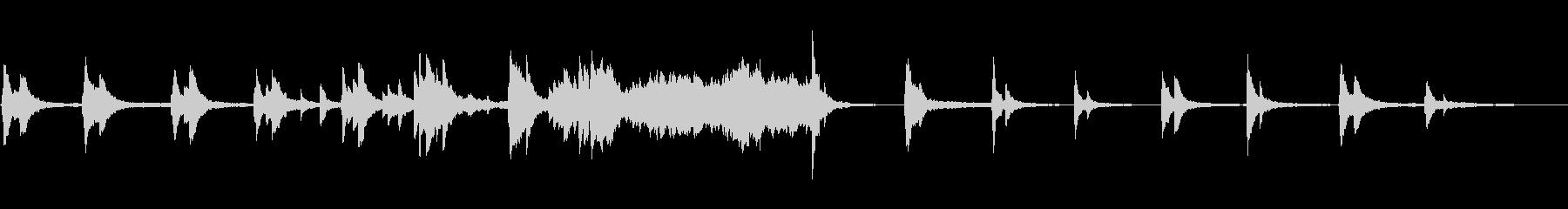 ソフトなピアノのアンビエントの未再生の波形