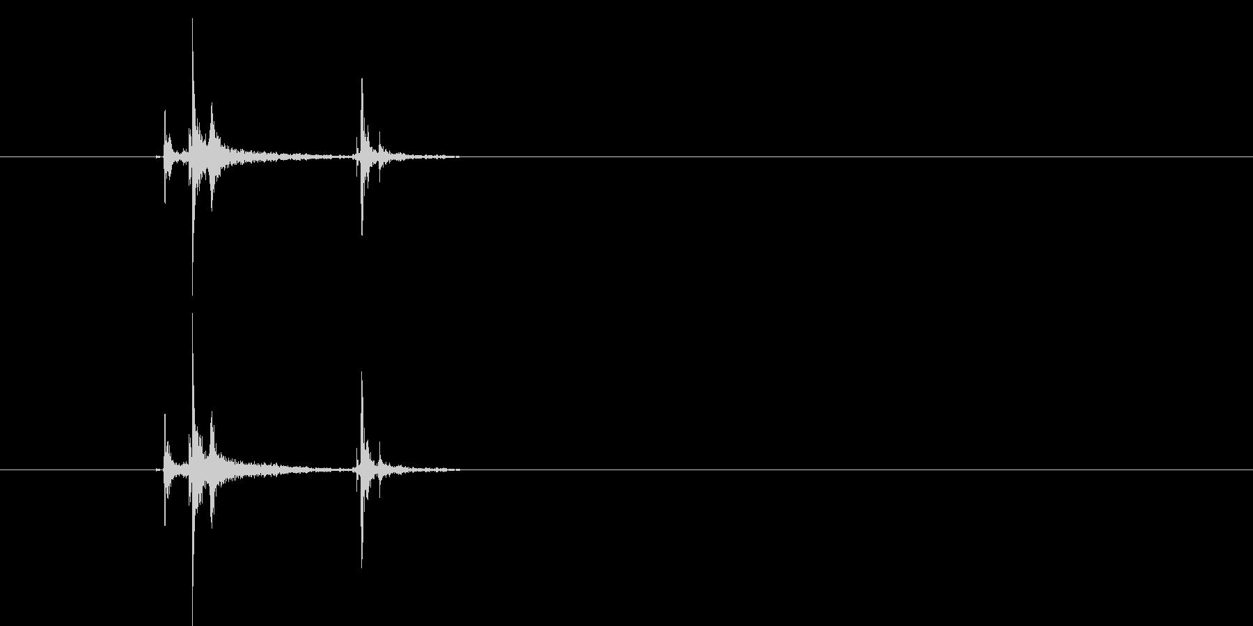 カッチン!硬質な高音・スイッチ音の未再生の波形
