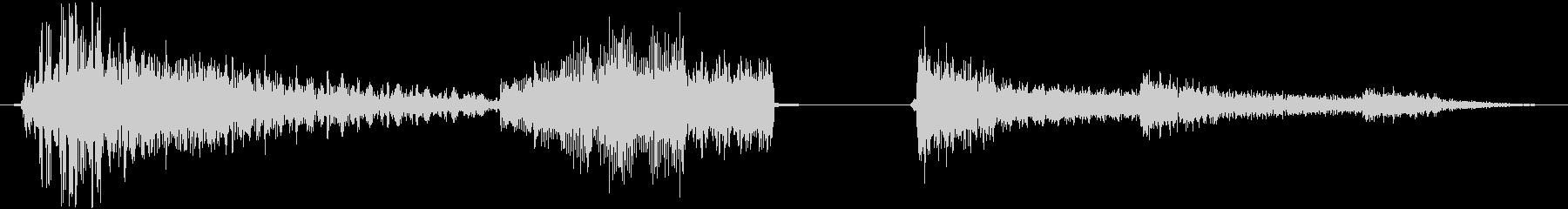 低技術ビープ音をバウンス中期ハイテ...の未再生の波形