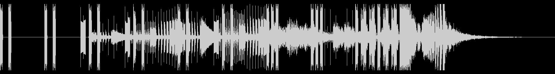 無機質で映像にマッチするエレクトロの未再生の波形