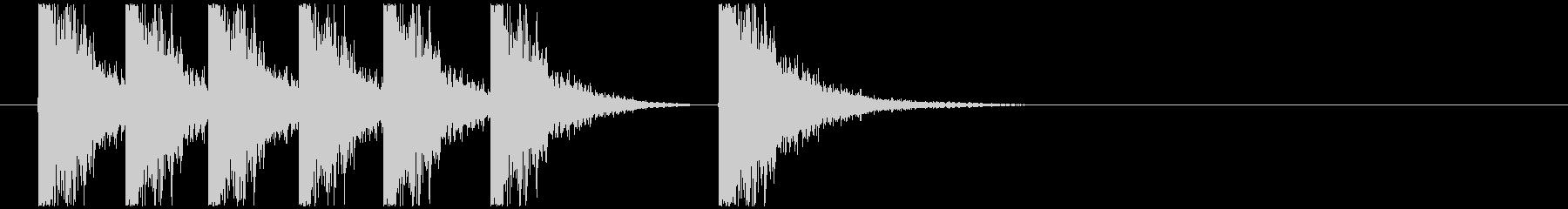 カンカン(硬いものを打ち付ける音)の未再生の波形