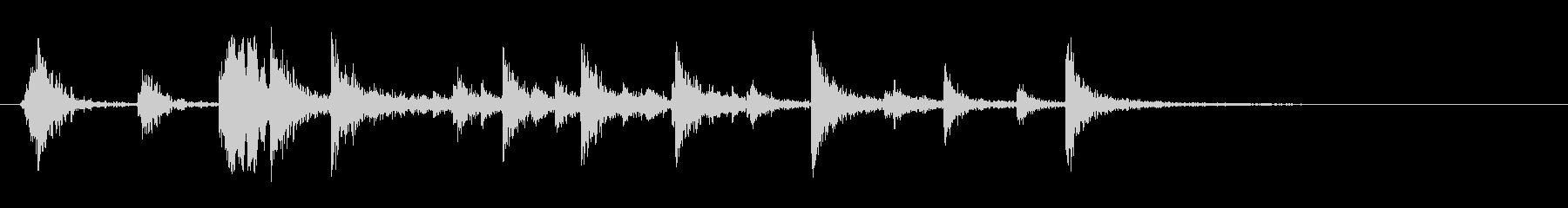 ヘビードアヒンジのきしみの未再生の波形