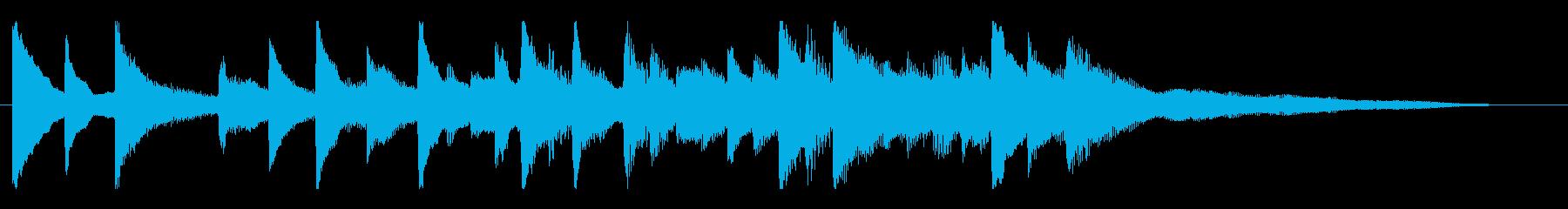 ピアノの優しく感動的なジングルの再生済みの波形
